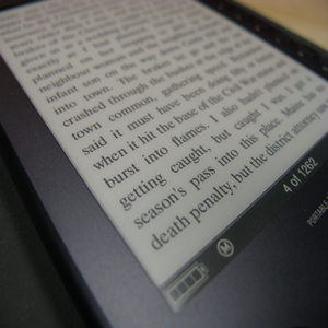 ereader image linking to North Shelby Library's digital library